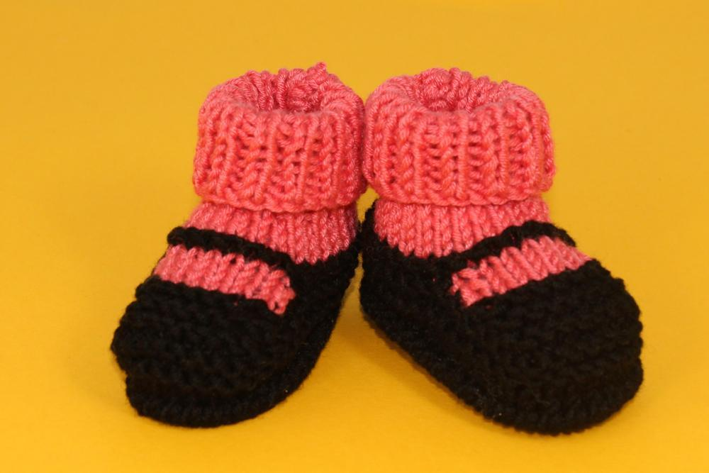 Knitted baby sock slippers
