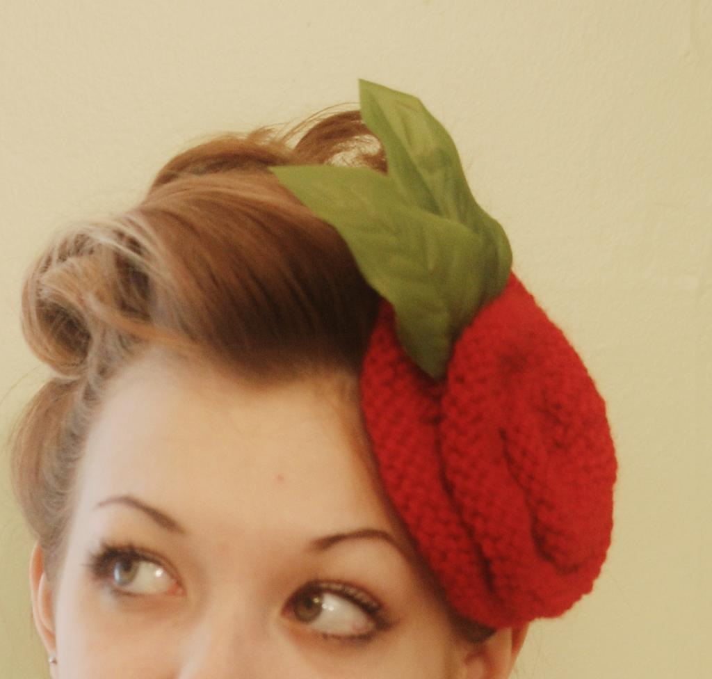 Knit rose fascinator for hair