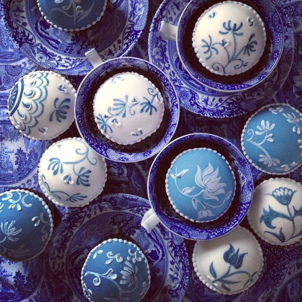 Blue china cupcakes by Bluprint member Jasmine Griffins