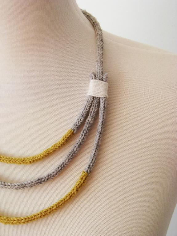Knit Pirra necklace