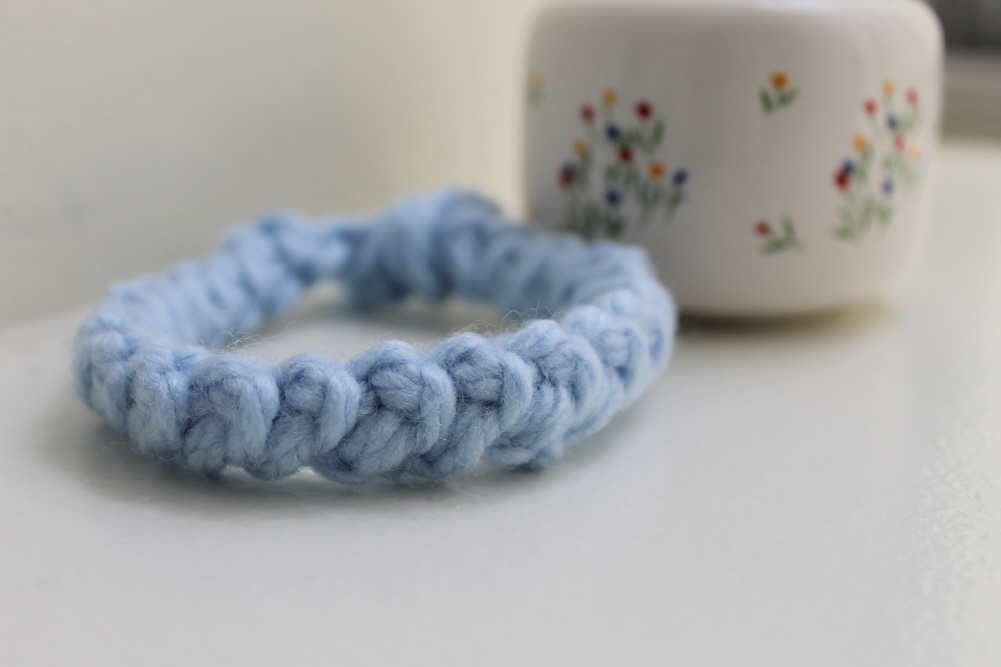 Lobster stitch crochet bracelet