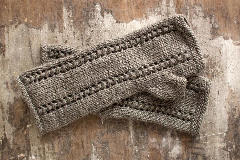 Knit Salto fingerless gloves