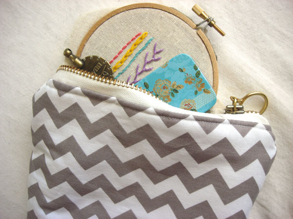 traveling embroidery
