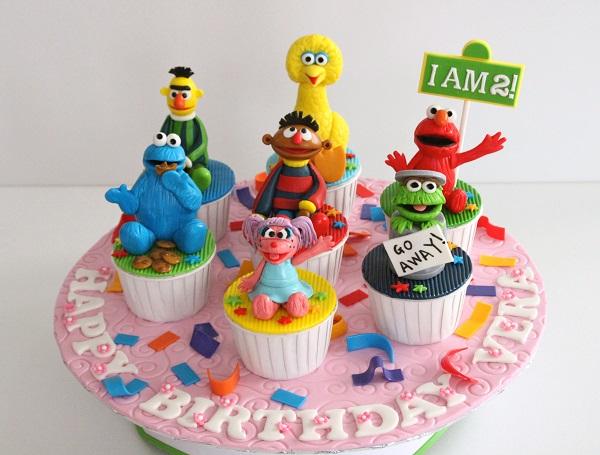 Sesame Street 3-D cupcakes