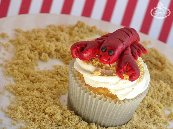 Lobster fondant cupcake topper