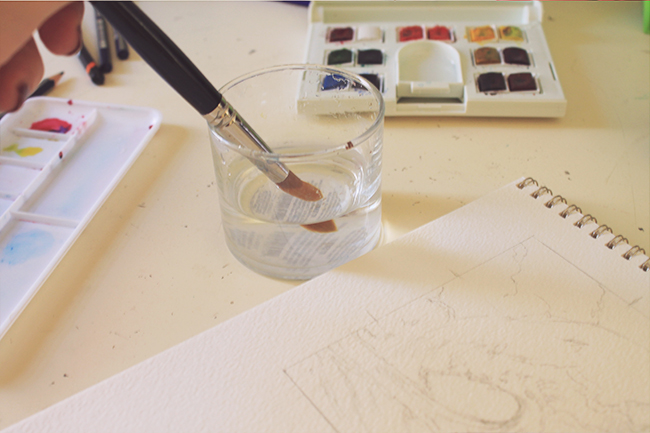 watercolor brush and clean water
