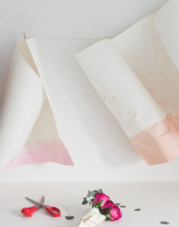 How to dye paper naturally