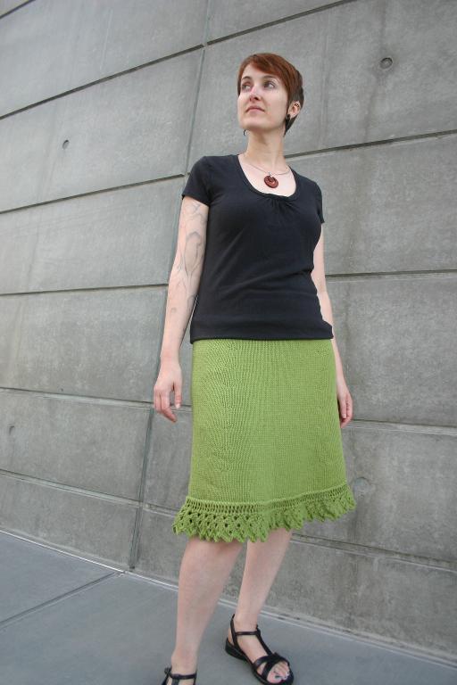 Knit sawtooth skirt