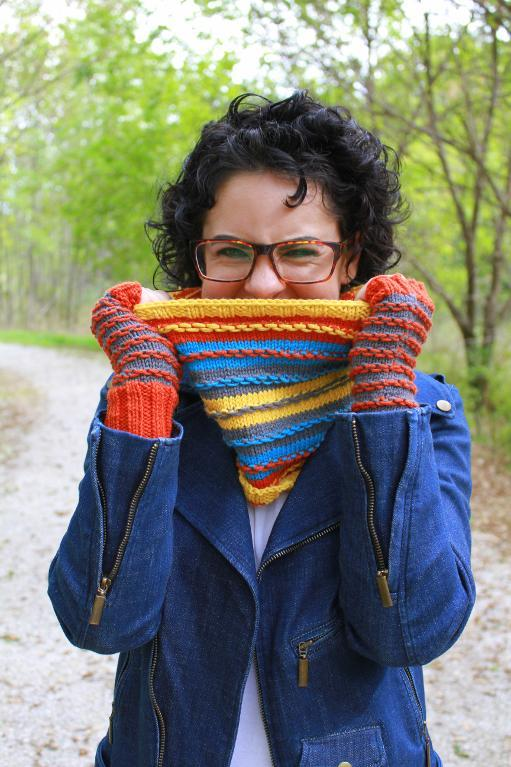 Knitted stripe cowl and gloves