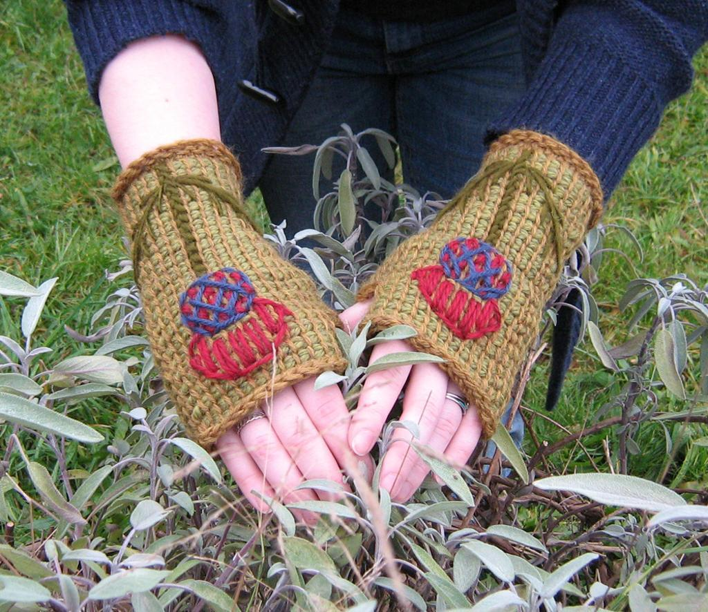 Tunisian crochet fingerless mitts