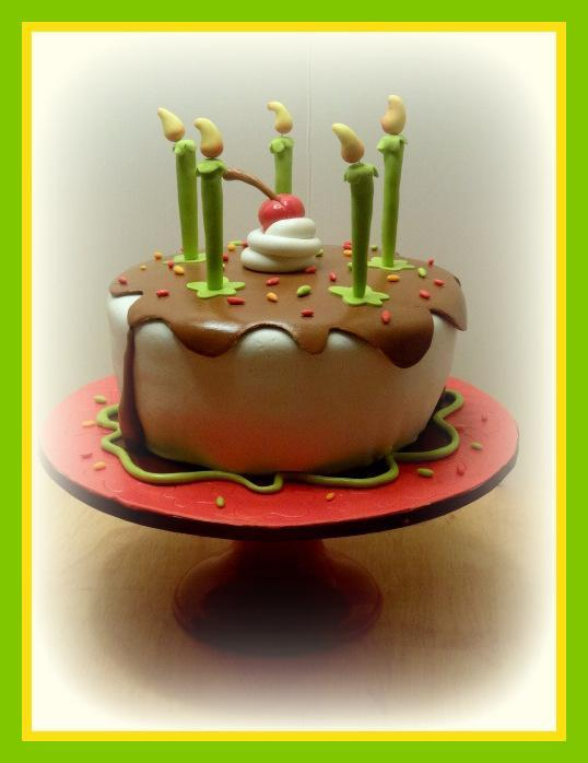 Lovely small caricature cake