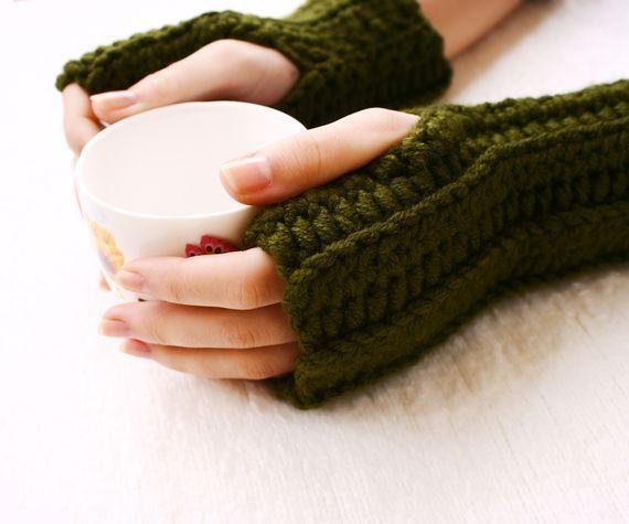 Crochet square fingerless mitts