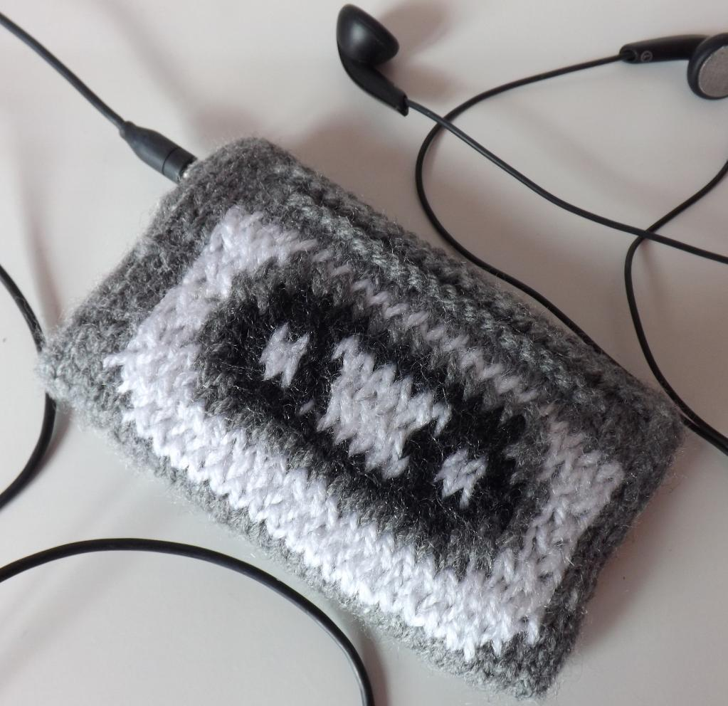 Knitted cassette tape ipod cover