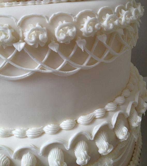 Peony Lambeth Cake