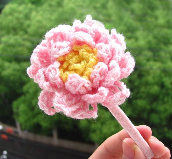Crochet water lily hair barette