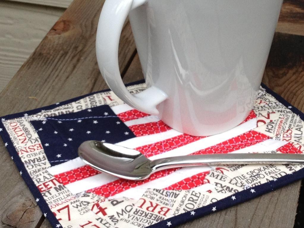 Flag mug rug