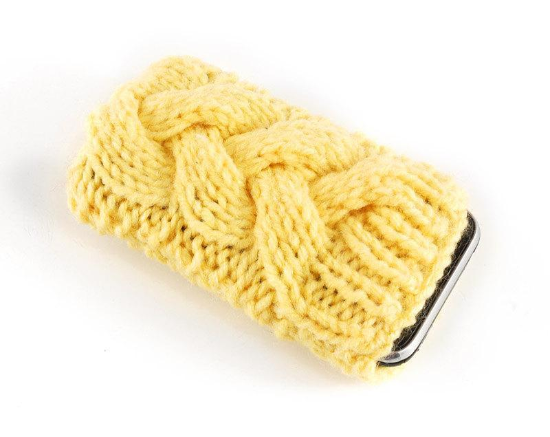 Knit cable cell phone cozy
