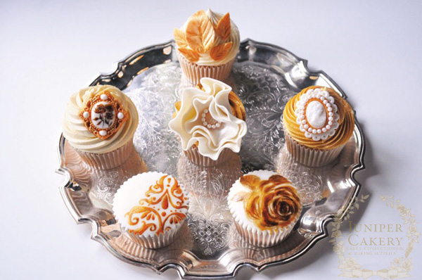 Golden anniversary fondant topped cupcakes
