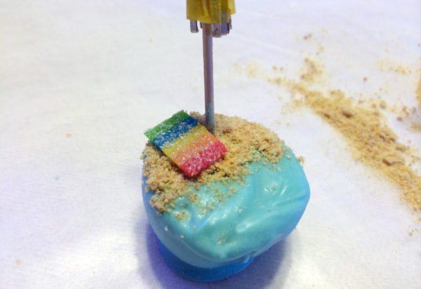 place towel on cake pop