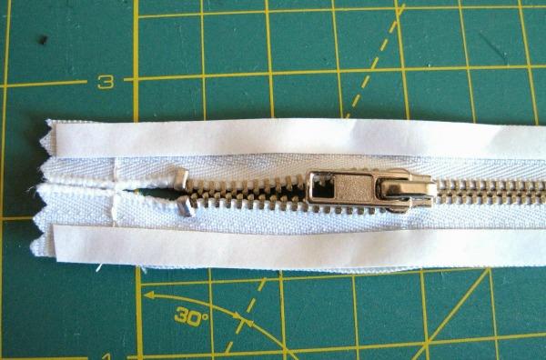 Wonder Tape applied to zipper edges