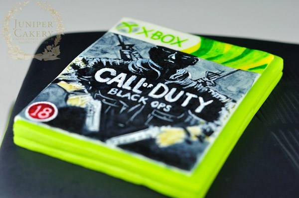 Hand-painted x-box call of duty cake