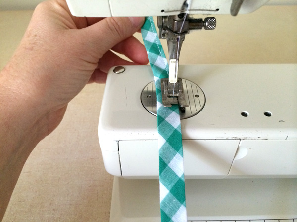 edge stitch bias tape closed