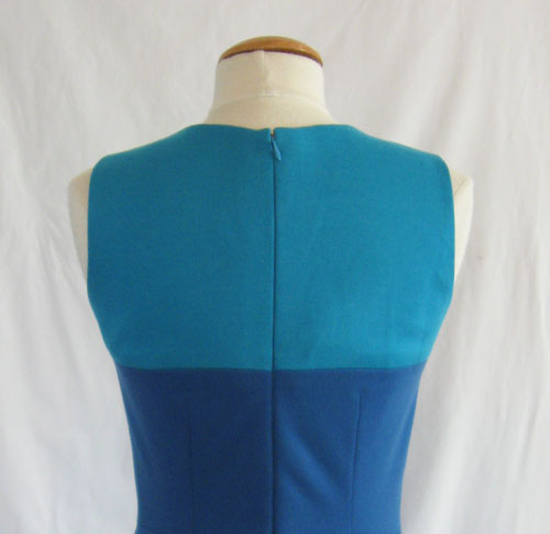 zipper in back bodice