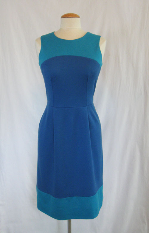 Color block dress in blue