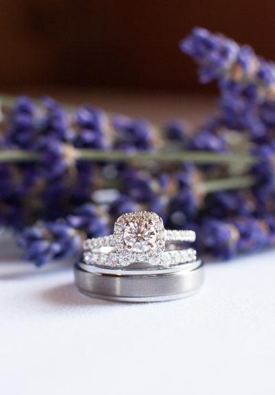 Macro photography: Engagement Ring on Bluprint