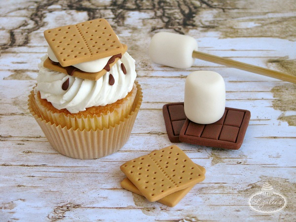S'mores Fondant Cupcake Toppers
