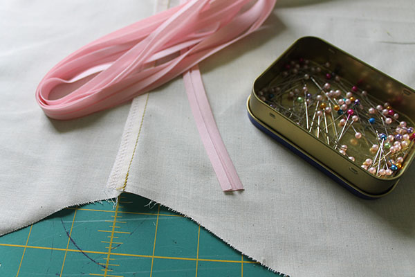 Sewing a curved hem with bias tape