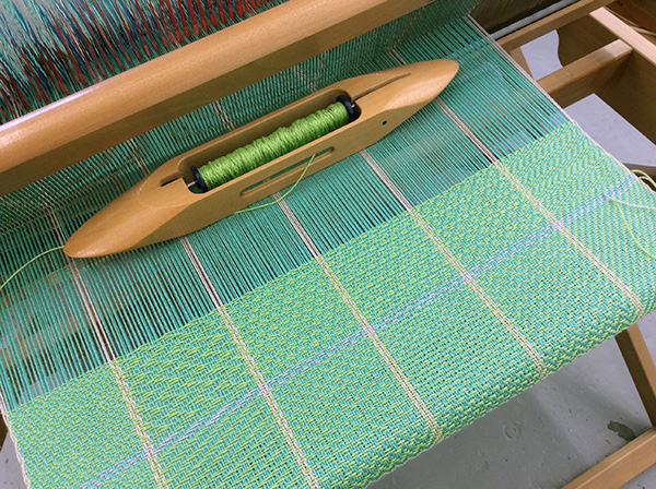 twill gamp on the loom