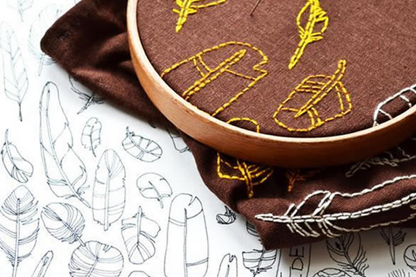 Feathers embroidery pattern