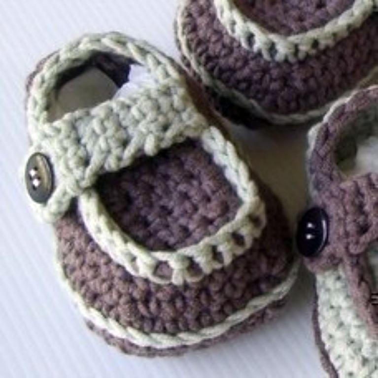 Crochet side button loafers