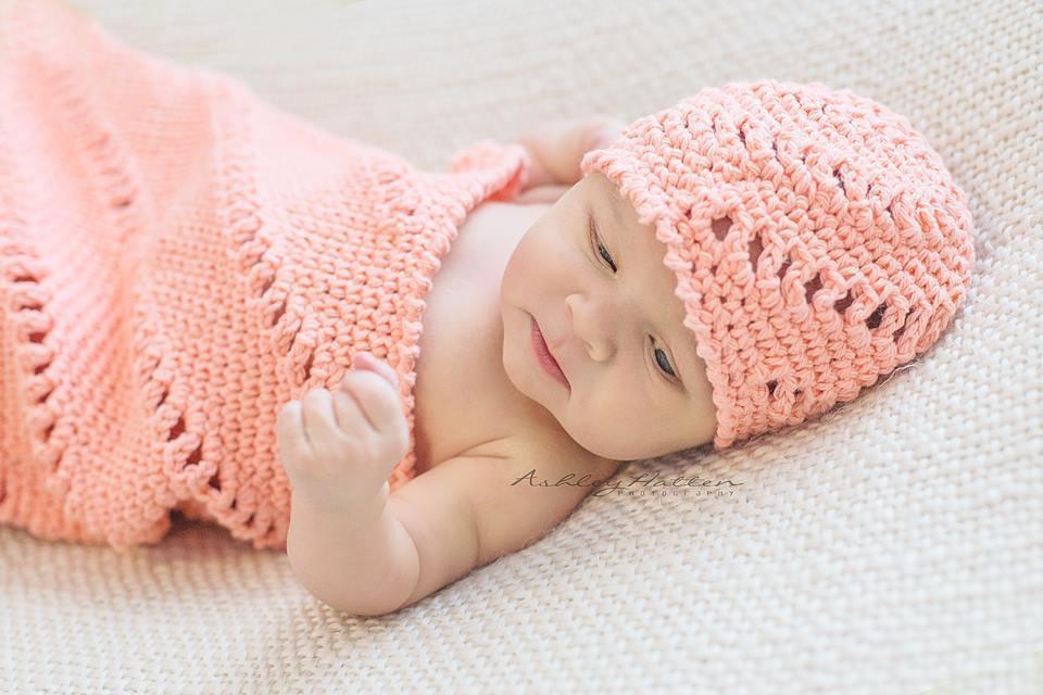 Crochet pinwheel beanie cocoon set