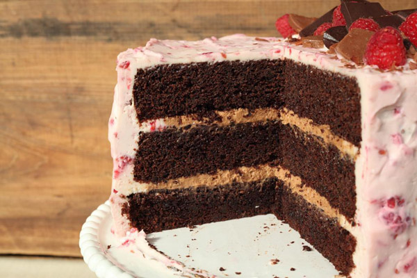Chocolate cake with raspberry icing on Bluprint!