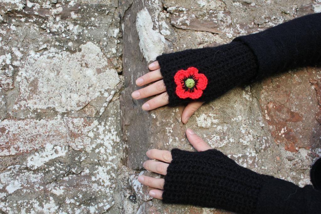 Crochet poppy mittens