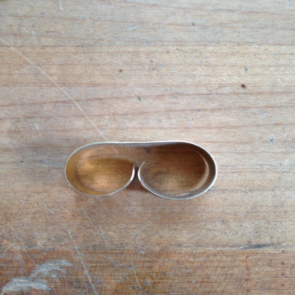 Side View of Double Finger Ring