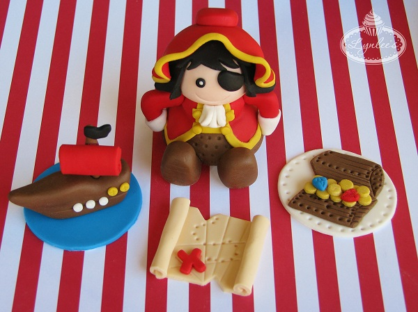Pirate fondant toppers