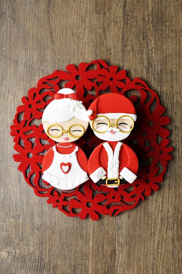 Mr. & Mrs. Claus cupcakes