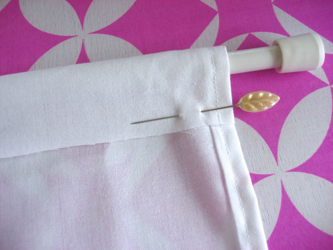 curtain hanging hem with pin