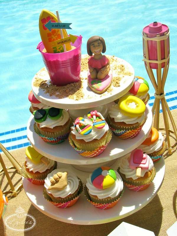 Surf pool party cupcakes