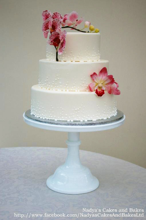 Champagne and orchid cake