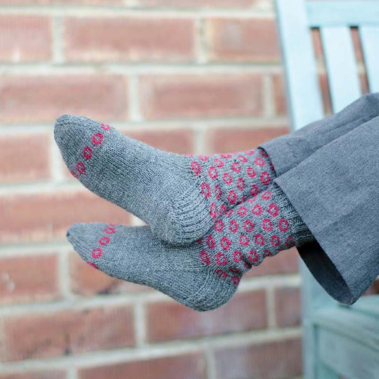Cannonfire kids' socks knitting pattern