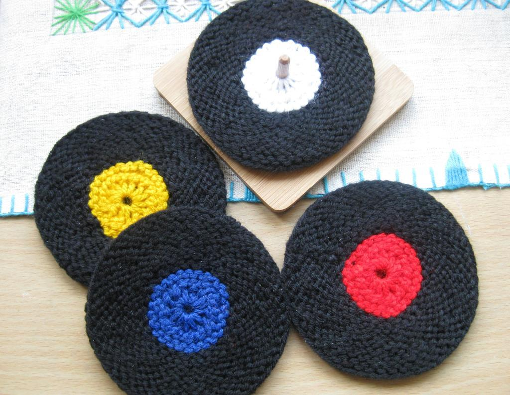Knitted vinyl record coasters