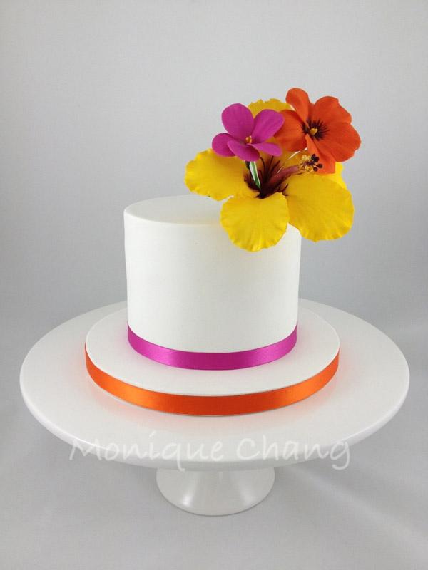 Hibiscus Pelargonium and Pansy Cake