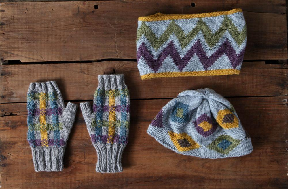 Accessories knit using intarsia