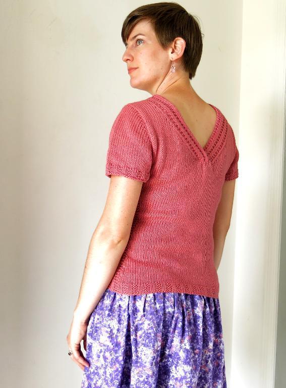 Begonia Pullover knitting pattern