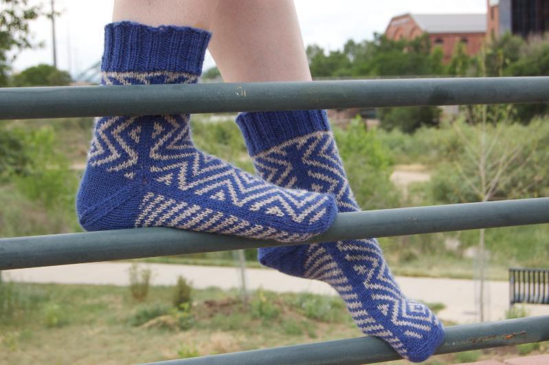 Bosnian colorwork sock knitting pattern
