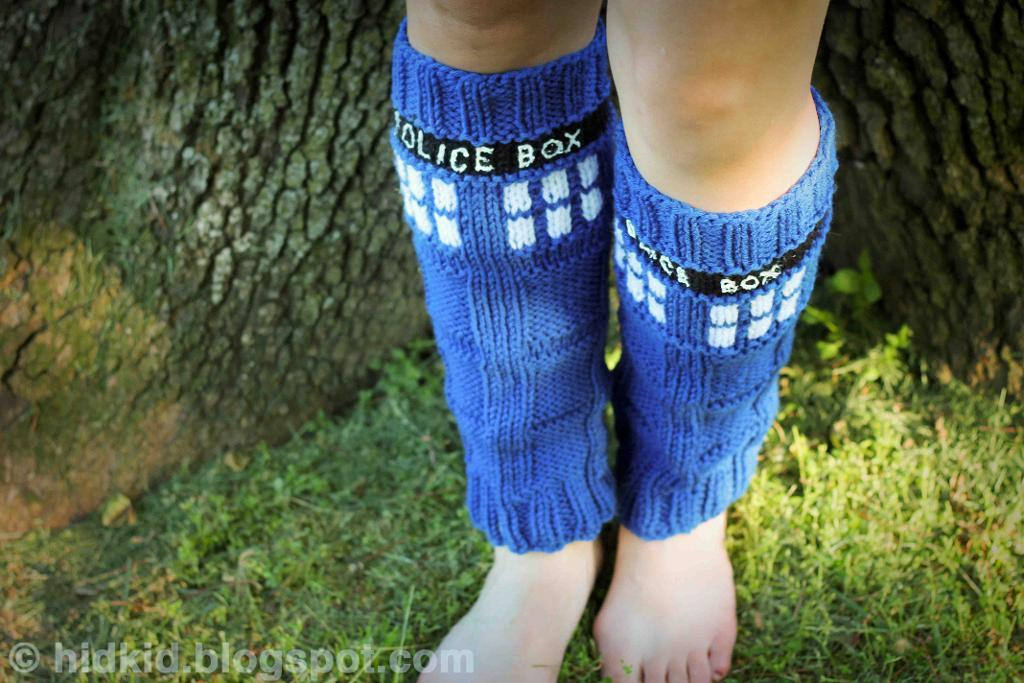 TARDIS Doctor Who legwarmers knitting pattern